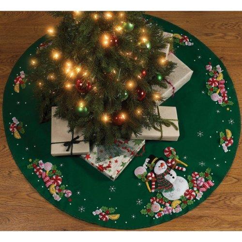 "Bucilla Felt Tree Skirt Applique Kit 43"" Round-Candy Snowman"
